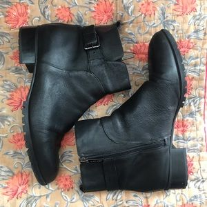 Lenore Ankle Bootie - Black Leather
